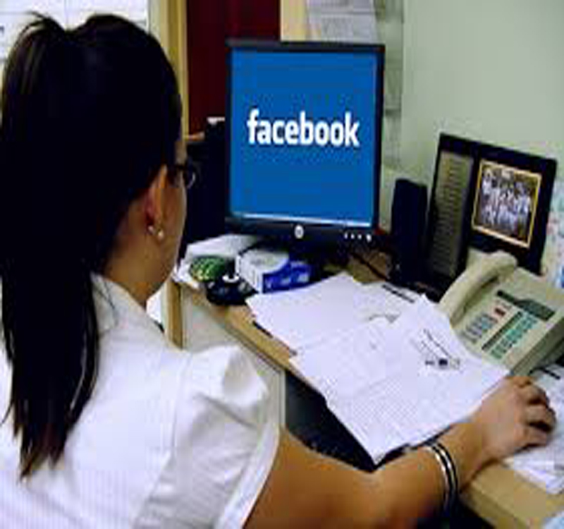 Social media use at workplace: good or bad? - Doorsanchar
