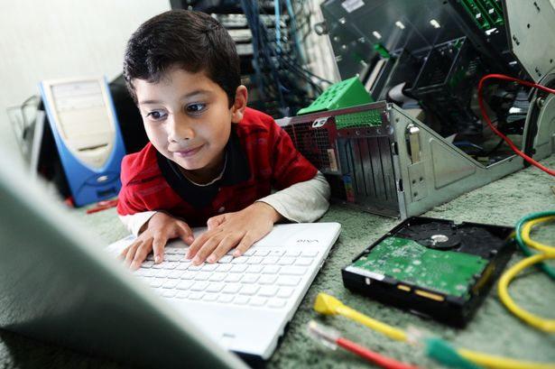 Five-Year-Old Ayan Qureshi Becomes the youngest Microsoft Certified Professional in the World - Doorsanchar