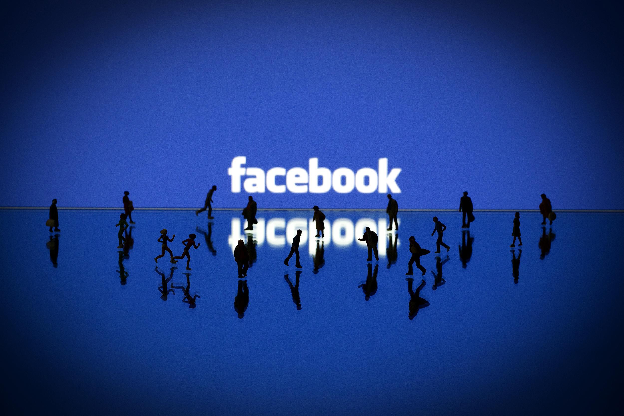 -facebook-emotions-1749_4f881e85b96bea3a796ae8d7e0ab44c4